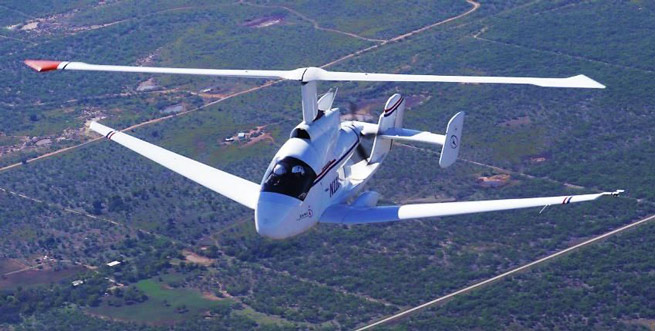 With a wingspan and rotor diameter of 45 feet, the Carter Aviation SR/C takes off like a helicopter and cruises like an airplane.
