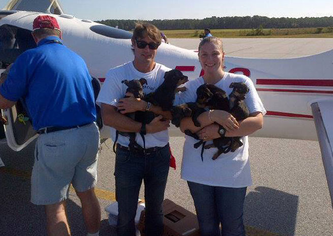 Volunteers at a Pilot N Paws fly-away. Photo courtesy of Pilots N Paws.