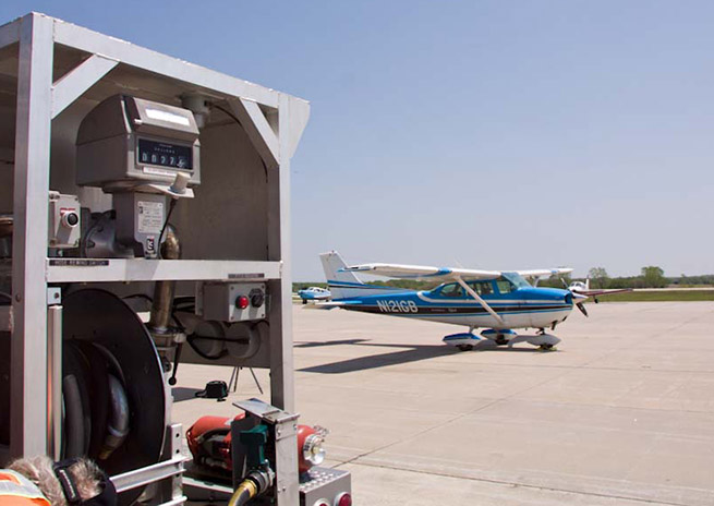 Stagnant sales and rising wholesale prices put FBOs in a pinch. AOPA file photo.
